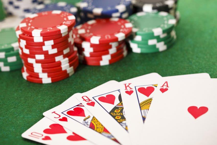 Poker Online kostenlos spielen im Online Casino